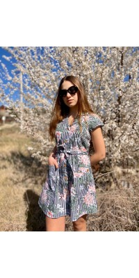 Плаття на ґудзиках з пояском та кишенями